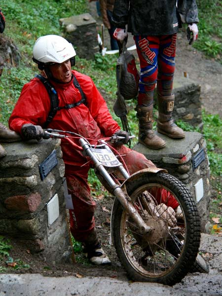 Caida moto de trial