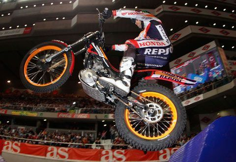 Toni Bou vence el Trial Indoor de Madrid
