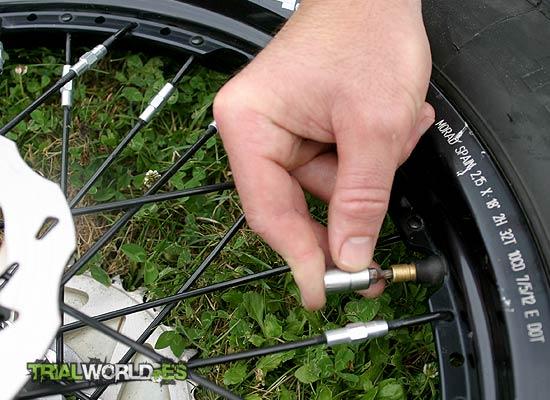 quitar obus rueda de trial