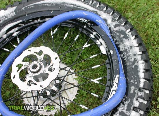 mousse para montaje de ruedas trial