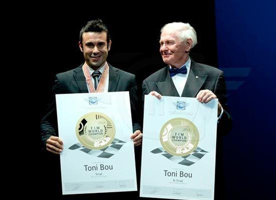 Toni Bou recibe el titulo de campeon del mundo