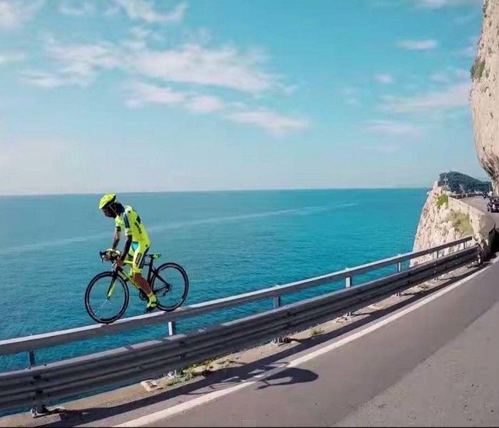 Impresionante Biketrial con una bici de carretera | Video