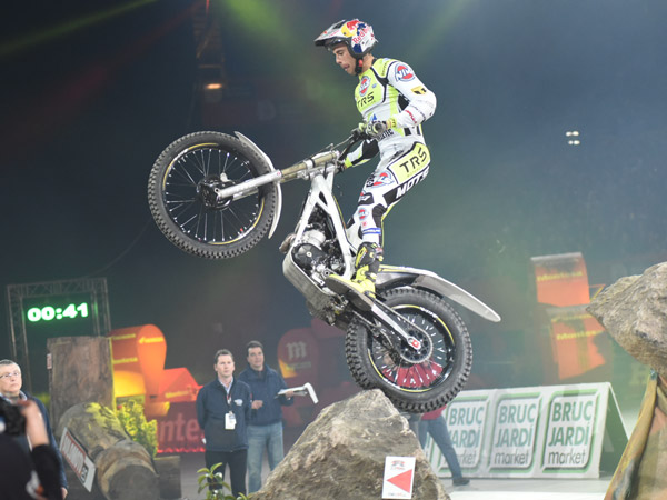 Adam Raga TRS Trial Indoor Barcelona 2016