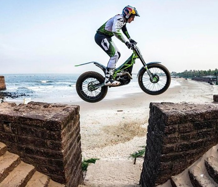 Video | Exhibicion de Dougie Lampkin en India – Goa