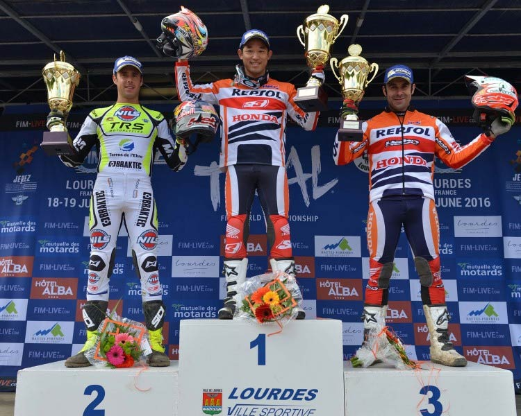 podium fujinami trial francia 2016