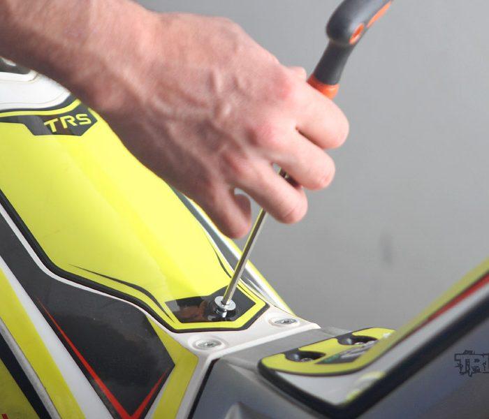 Cómo mantener y limpiar el filtro del aire en la moto de trial