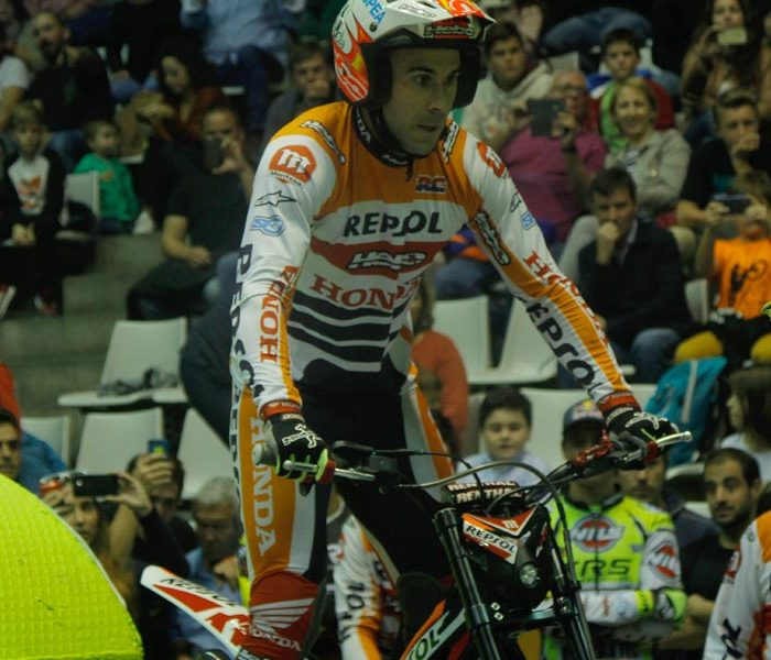 Victoria de Toni Bou en el Trial Indoor de Girona