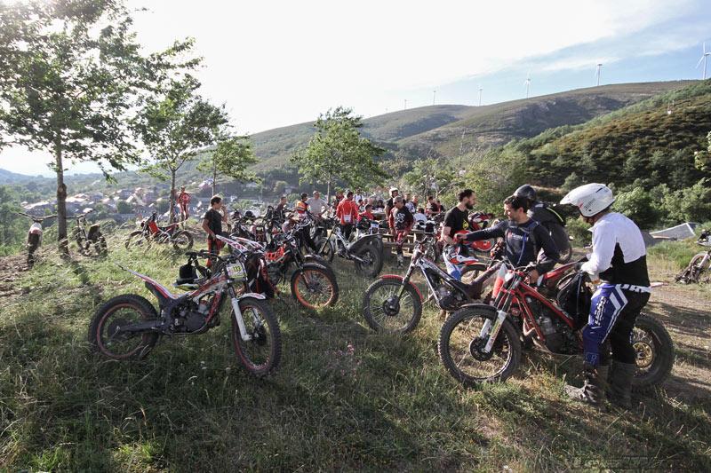 Concentracion motos de trial