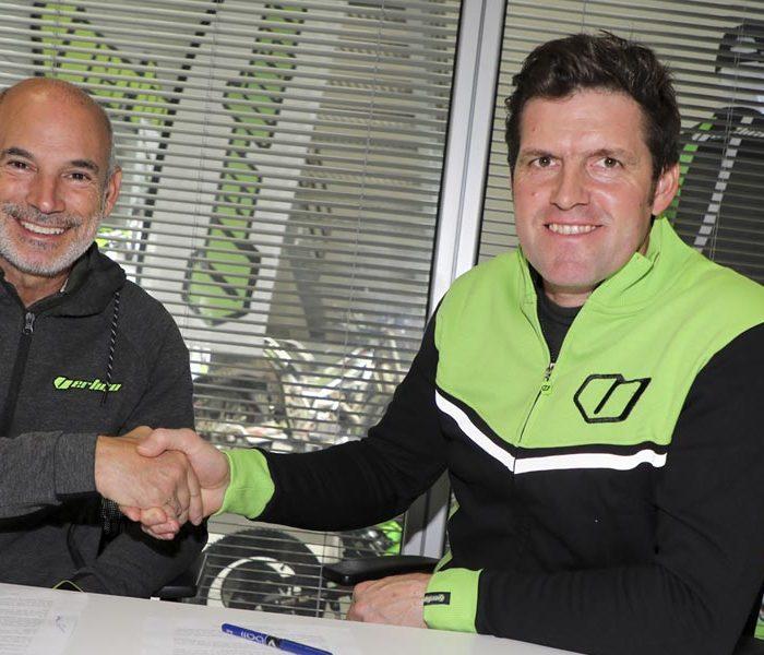 Dougie Lampkin renueva con Vertigo hasta 2021