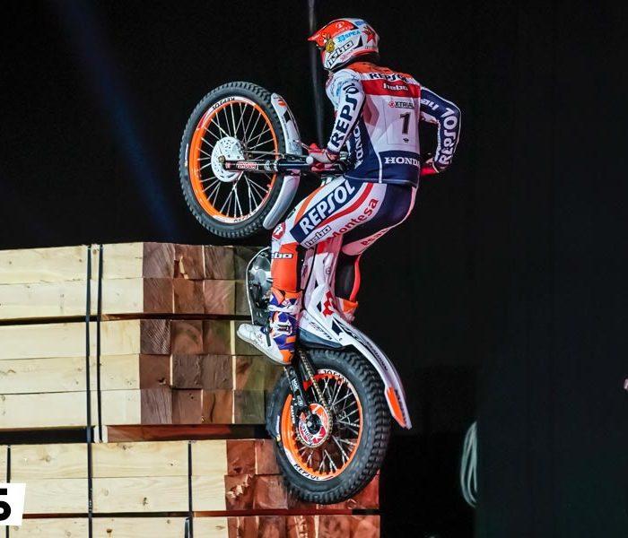 Toni Bou acaricia el título mundial tras vencer el X-Trial de Bilbao